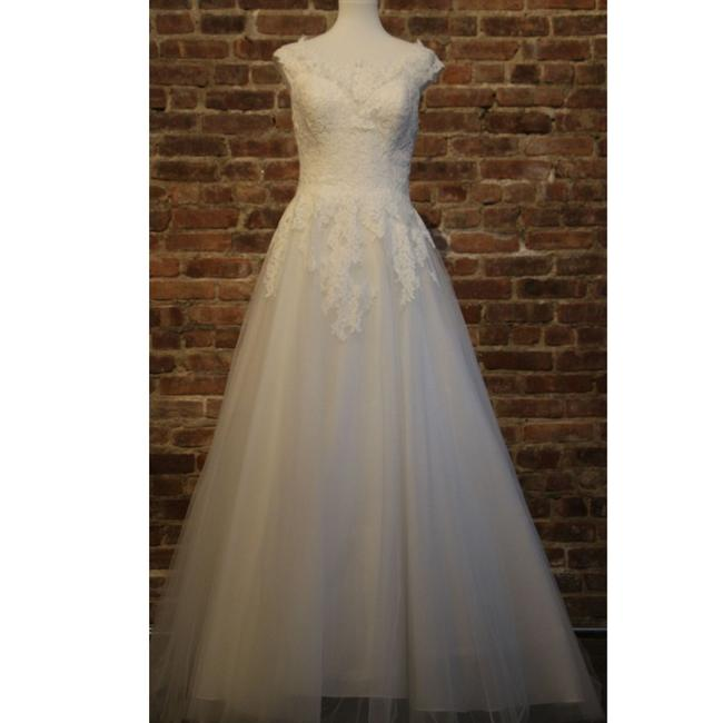 Item - Ivory/Nude Lace 9520l By Feminine Wedding Dress Size 18 (XL, Plus 0x)
