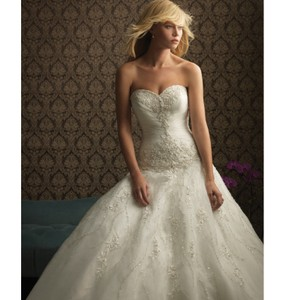 Allure Bridals Ivory Lace 8769 By Feminine Wedding Dress Size 14 (L)