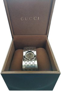 Gucci Gucci Ladies Twirl Diamond Bezel Watch