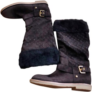 121ebd23027 Louis Vuitton Boots   Booties - Up to 90% off at Tradesy
