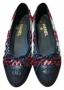 Chanel Quilted Ballet Tweed Size 40 Burgundy Black White Red Flats