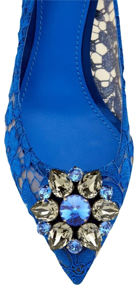8cab20e79d3 Dolce Gabbana Blue Bellucci Taormina Jewel-embellished Lace Pumps ...