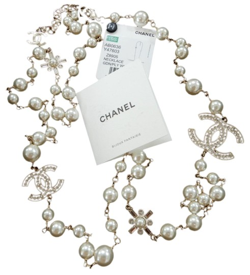 Preload https://img-static.tradesy.com/item/24532562/chanel-clear-classic-large-cc-logo-crystals-pearl-46-long-2019-necklace-0-3-540-540.jpg