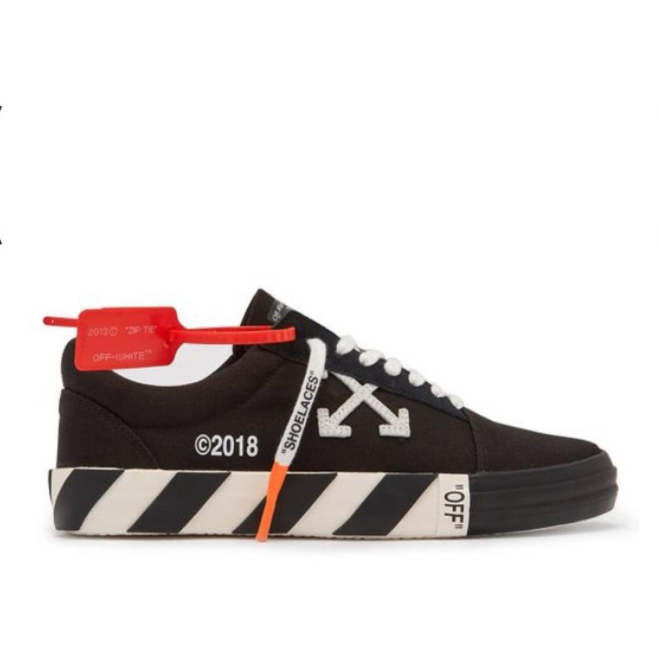 a100ed72f63922 Off-White™ Black Vulc Canvas Low Top Sneakers Size US 7 Regular (M ...
