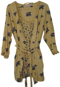 035337b607 Victoria s Secret Robe Robe And Gown Robe Set Top Pale Yellow with Blue  Flowers
