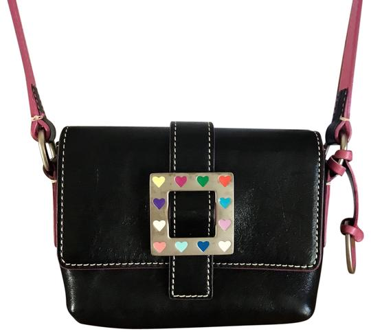 Preload https://img-static.tradesy.com/item/24539270/dooney-and-bourke-small-black-and-pink-leather-cross-body-bag-0-1-540-540.jpg