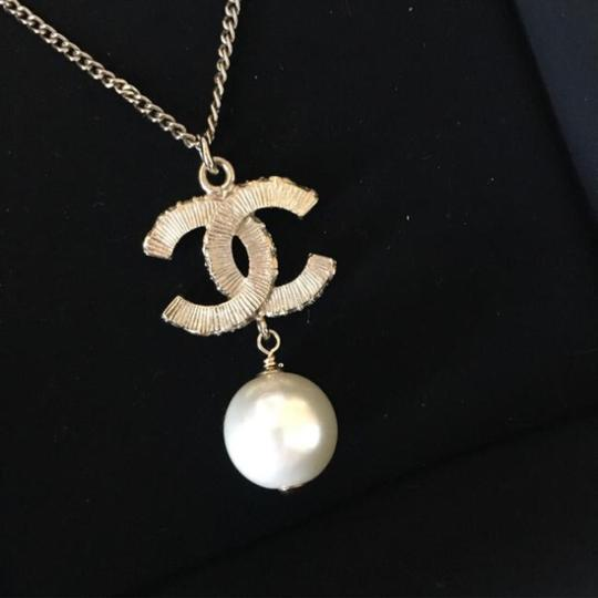 Chanel Chanel Gold Black CC Pearl Necklace Image 3