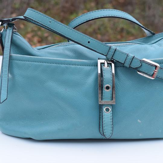 B. Makowsky Cross Body Bag Image 3