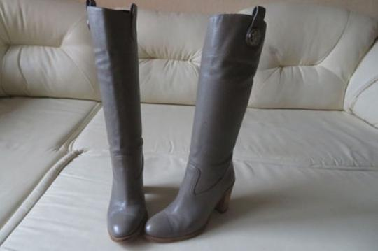 GUCCI Pull On GRAY Boots Image 10