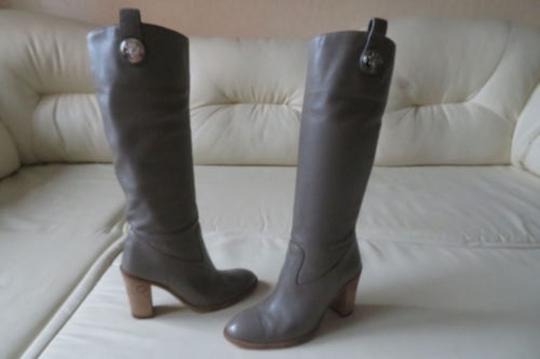 GUCCI Pull On GRAY Boots Image 2