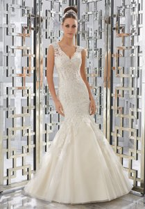 Mori Lee Ivory Lace & Tulle 5568 Formal Wedding Dress Size 12 (L)