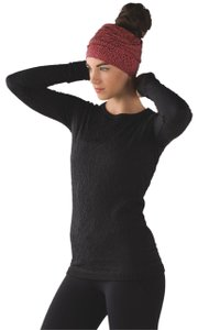 Lululemon Spray Jacquard Electric Coral Top Knot Toque Hat - Tradesy 43cc061ecb4