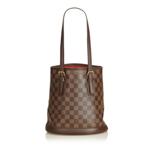 Louis Vuitton 8klvto022 Tote in Brown