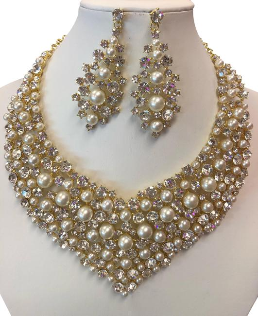 Unbranded Gold and Ivory and Clear Rhinestone Pearl Necklace Unbranded Gold and Ivory and Clear Rhinestone Pearl Necklace Image 1