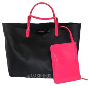 Givenchy Antigona Tote in Black