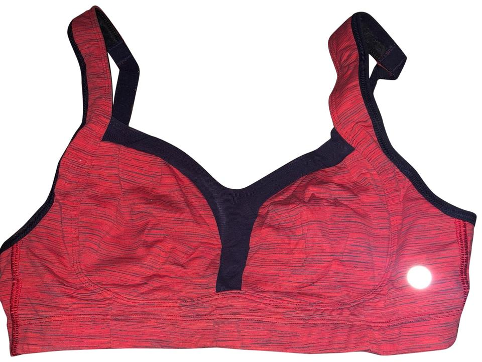 1ee2eb3090 Lululemon Red Speed Up Activewear Sports Bra Size 6 (S) - Tradesy