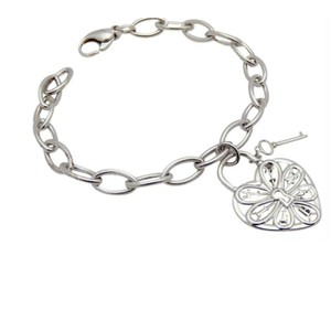 Tiffany & Co. Retired, Filigree heart link bracelet