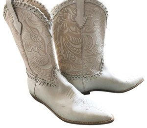 Donald J. Pliner Western Cowboy Leather Winter White Boots