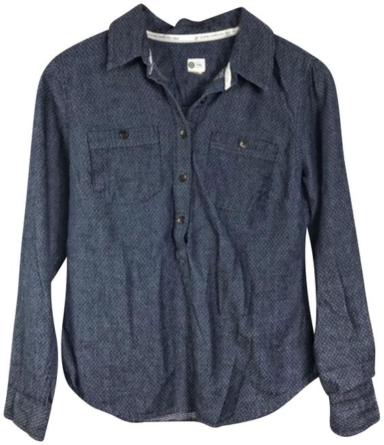Preload https://img-static.tradesy.com/item/24546595/toms-blue-button-down-top-size-6-s-0-1-650-650.jpg