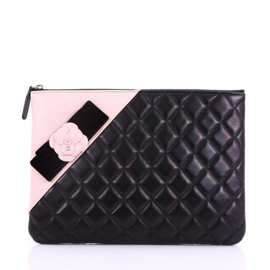 Preload https://img-static.tradesy.com/item/24546657/chanel-clutch-camellia-o-case-quilted-medium-black-and-pink-lambskin-leather-clutch-0-0-540-540.jpg