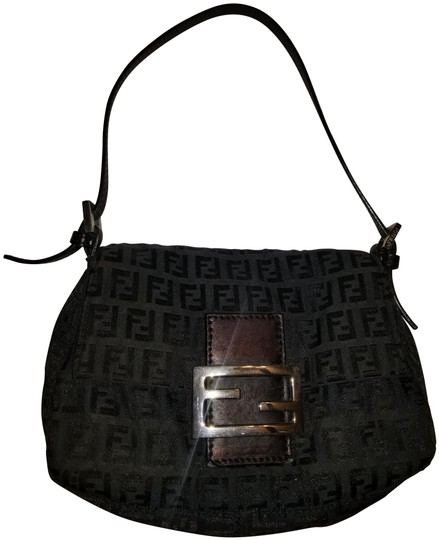 Preload https://img-static.tradesy.com/item/24546716/fendi-mini-mama-baguette-black-zucchinno-canvas-clutch-0-2-540-540.jpg