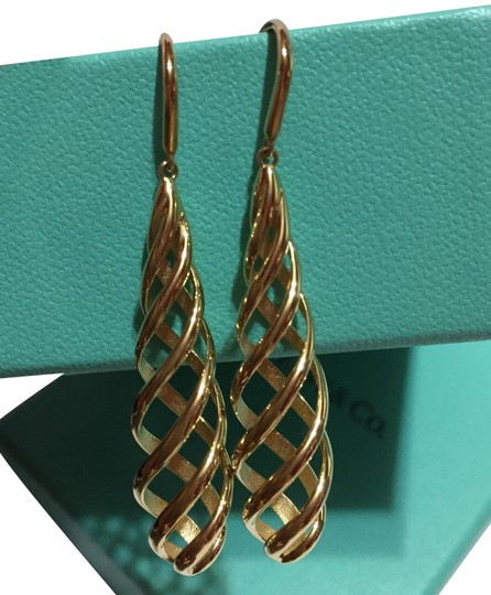 Preload https://img-static.tradesy.com/item/24546734/tiffany-and-co-paloma-picasso-solid-18k-gold-luce-dangle-drop-2-long-earrings-0-1-540-540.jpg