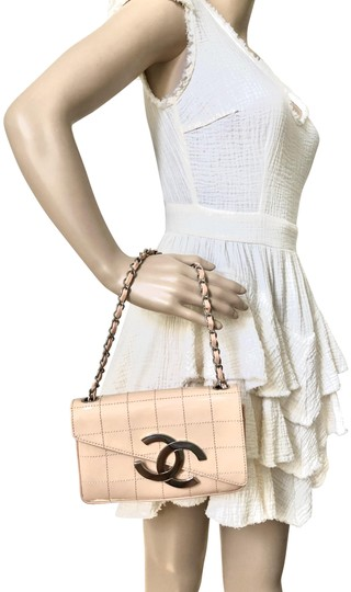 Preload https://img-static.tradesy.com/item/24546797/chanel-great-conditions-in-box-beige-pink-leather-shoulder-bag-0-10-540-540.jpg