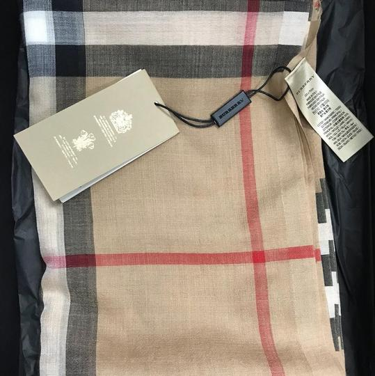 Burberry Burberry's signature check wool and silk scarf Image 4