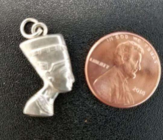 Other Sterling Silver Egyptian XS charm Nefertiti. Bought in Egyptian Bazaar Image 2