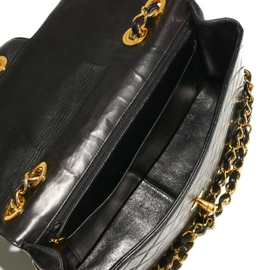Chanel Quilted Lambskin Leather Classic Gold Hardware Shoulder Bag Image 10