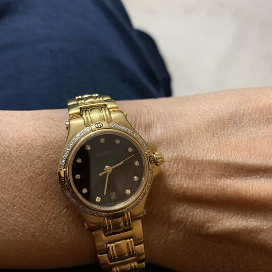 Gucci 9240 series watch Image 8