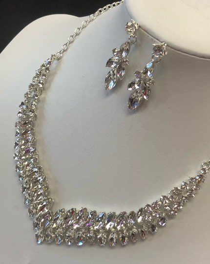 Silver and Crystal Necklace Jewelry Set Image 1
