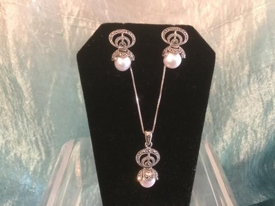 Preload https://img-static.tradesy.com/item/24548963/silver-with-pearlmarcsite-jewelry-set-0-0-540-540.jpg