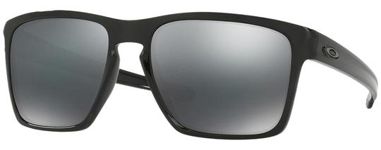 Preload https://img-static.tradesy.com/item/24549018/oakley-polished-black-and-black-iridium-lens-unisex-sunglasses-0-6-540-540.jpg