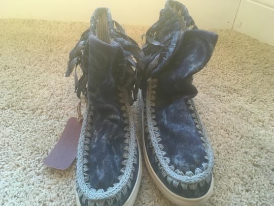 Mou Summer Eskimo Fringed Denim blue with lighter blue stitching and tie dye effects Boots Image 2