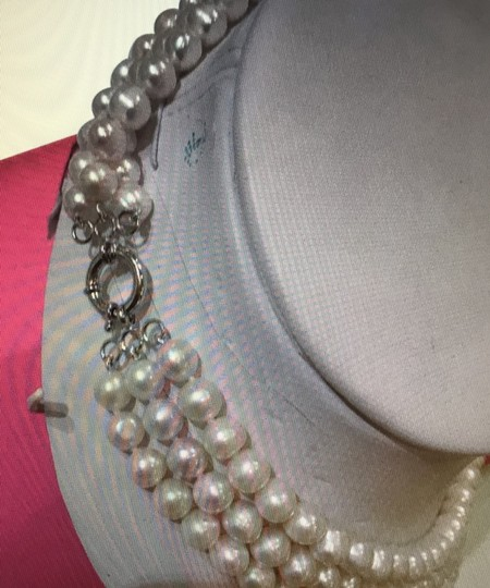 Other Three Strands Pearl Necklaces Image 3