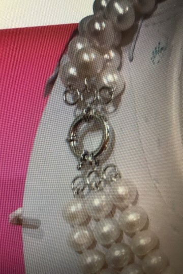 Other Three Strands Pearl Necklaces Image 4