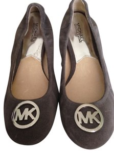 5d2eea9a47a Michael Kors Ballerina Excellent Condition Grey Suede Flats