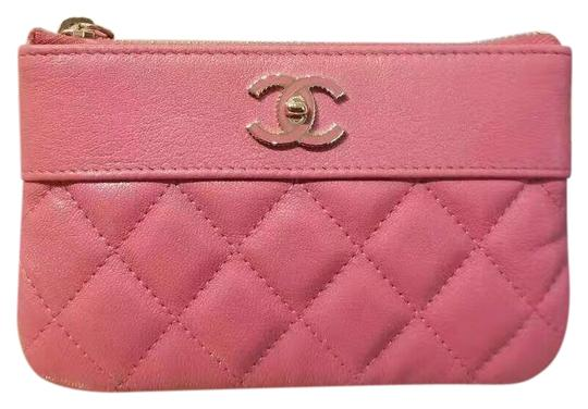Preload https://img-static.tradesy.com/item/24551159/chanel-rose-pink-sheepskin-and-lacquered-metal-quilted-pouch-cosmetic-bag-0-1-540-540.jpg