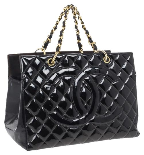 Preload https://img-static.tradesy.com/item/24551206/chanel-shopping-tote-vintage-quilted-grand-gst-black-patent-leather-tote-0-1-540-540.jpg