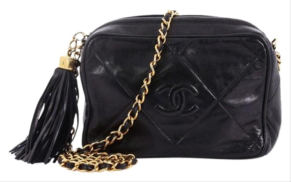 777823a9dbb6 Chanel Camera Vintage Diamond Cc Quilted Small Black Leather Cross Body Bag