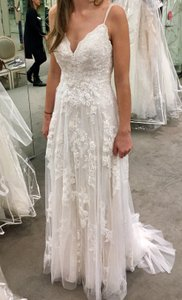 6069ff50 Melissa Sweet Scalloped A-line with Double Straps Modern Wedding Dress Size  4 (S