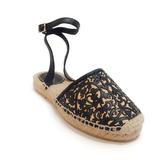 Preload https://img-static.tradesy.com/item/24552991/oscar-de-la-renta-black-natural-laser-cut-espadrille-flats-size-eu-37-approx-us-7-regular-m-b-0-0-540-540.jpg