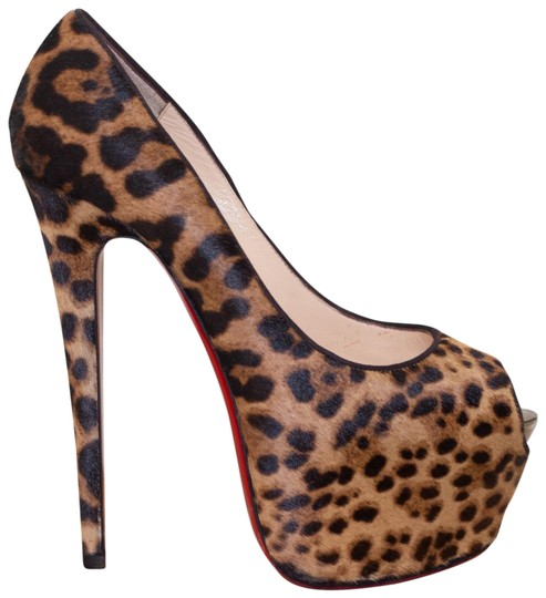 Preload https://img-static.tradesy.com/item/24553105/christian-louboutin-brown-highness-leopard-print-pony-hair-platform-pumps-size-eu-39-approx-us-9-reg-0-2-540-540.jpg