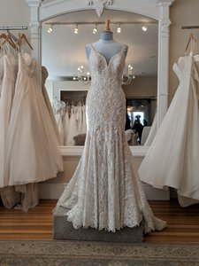 Martina Liana Ishy-pl Ivory Silver Lace Over Honey Gown with Porcelain Tulle Illusion Ml1001 Formal Wedding Dress Size 8 (M)