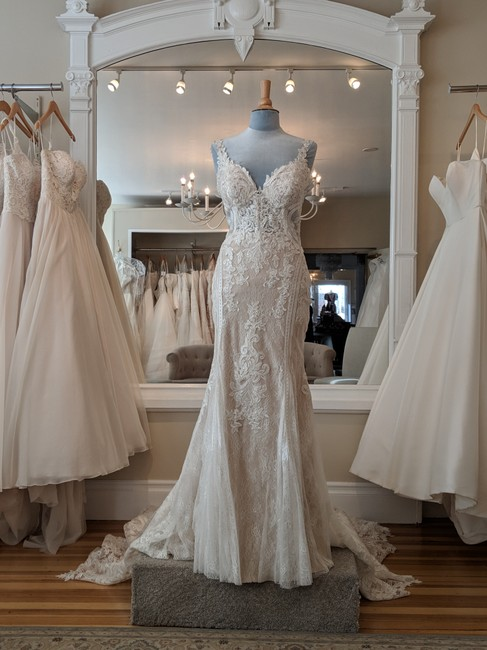 Item - Iv-hy Ivory Lace Over Honey Gown Ml 905 Formal Wedding Dress Size 12 (L)