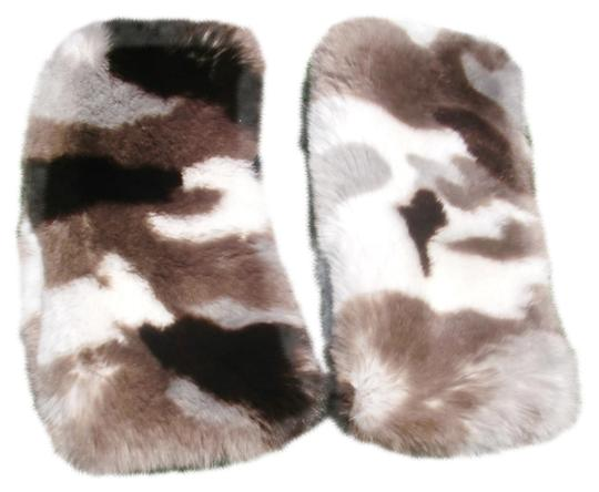 Preload https://img-static.tradesy.com/item/24553661/gray-brown-buttersoft-sheared-rabbit-fur-cuffs-to-accent-a-coat-scarfwrap-0-1-540-540.jpg