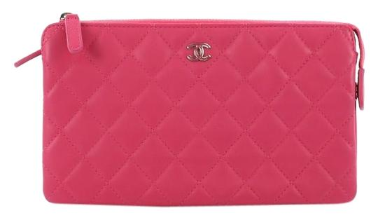 Preload https://img-static.tradesy.com/item/24553746/chanel-clutch-o-case-quilted-small-pink-lambskin-leather-clutch-0-1-540-540.jpg