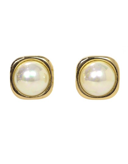 Preload https://img-static.tradesy.com/item/24553749/dior-goldwhite-christian-vintage-goldtone-square-with-center-faux-pearl-earrings-0-0-540-540.jpg