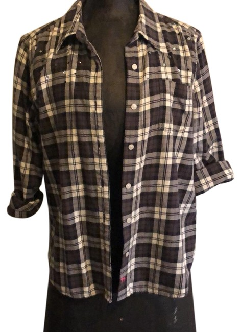 Preload https://img-static.tradesy.com/item/24553793/pink-plaid-flannel-button-down-top-size-12-l-0-1-650-650.jpg